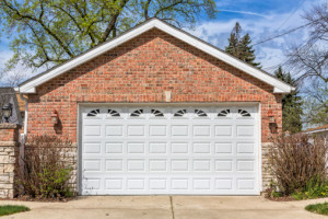 ThinkstockPhotos 462425701 300x200 Is it Time for a Garage Door Replacement?
